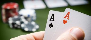 What is the advantage of online casino?